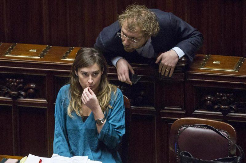 Renzi: inqualificabile chi chiede dimissioni Lotti contro di noi