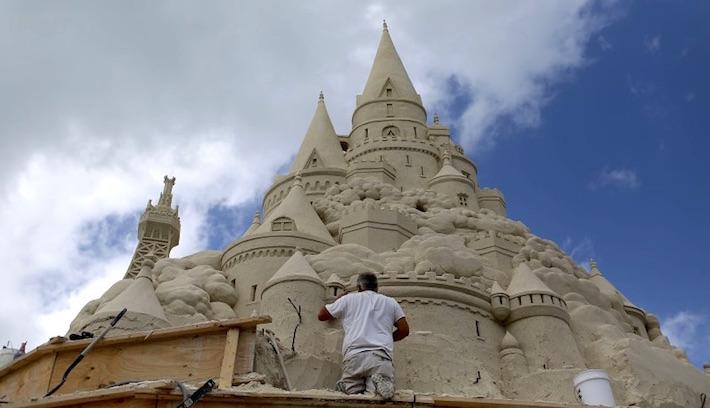 Il castello di sabbia pi alto del mondo l 39 eco del sud for Statua piu alta del mondo