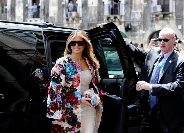 G7  Melania Trump e la preziosa giacca di Dolce e Gabbana. Un omaggio alla  Sicilia  45005bcdb02