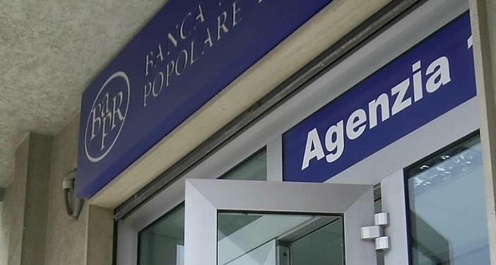 Ganzirri sempre pi vivace e bapr apre una nuova agenzia for Agenzia la moderna