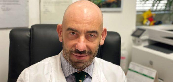 """Bassetti scaglia una 'bomba' su Facebook: """"Ospedali pieni di monoclonali non usati. Avrebbero evitato migliaia di morti"""""""